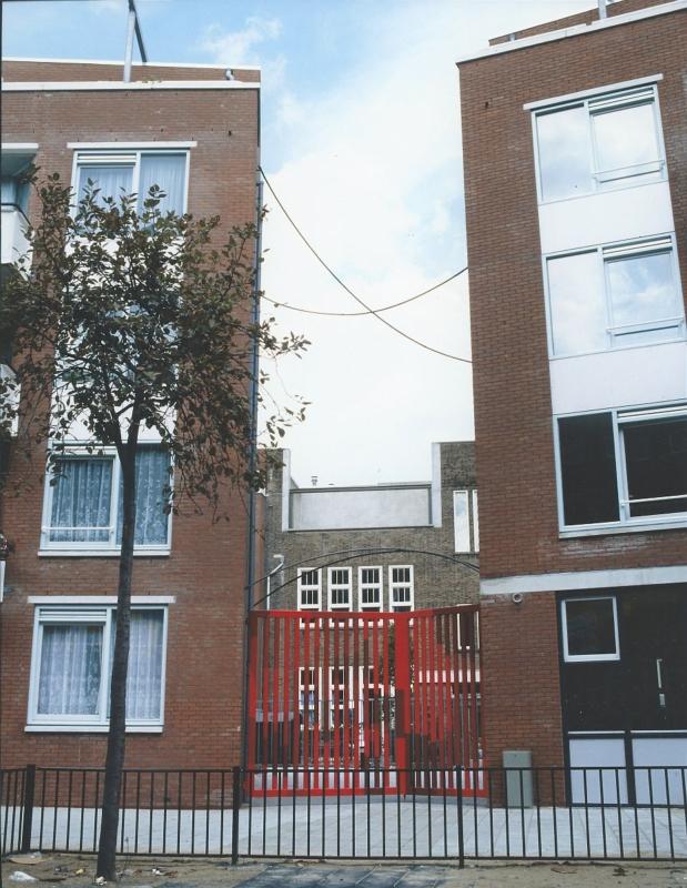 1990-1991 President Brandtstraat Amsterdam tekening in de ruimte opdr KOS metaal pigment 2 componenten lak 1120 x 3700 cm en 1000 x 1400 cm